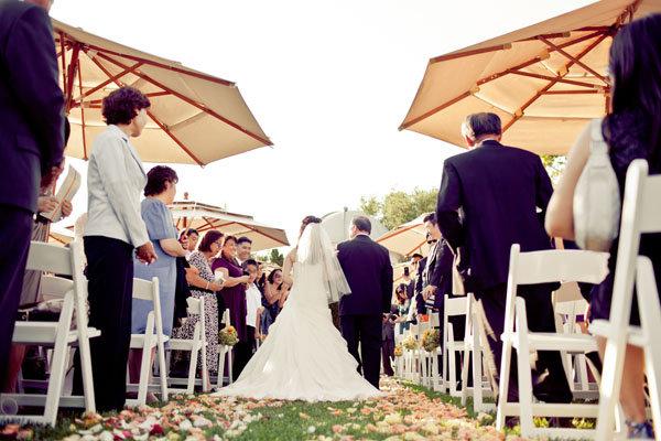 بالصور افكار رائعة لزفاف صيفي انيق حصري 2017 157338012.jpg