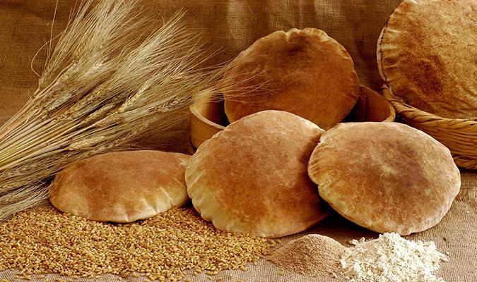 للنشاط وحرق السكر تناول الخبز الاسمر